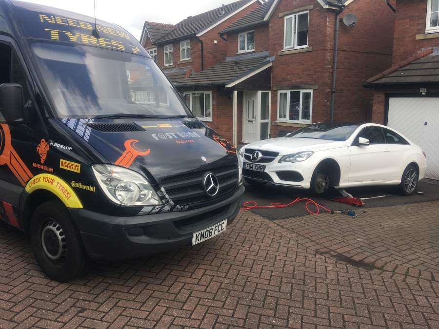 Mercedes benz service repair mobile mercedes mechanics for Mercedes benz dealers manchester